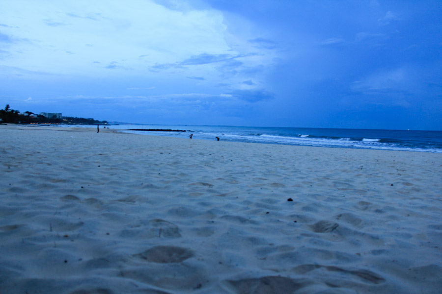 The Mui Ne beach at dusk.