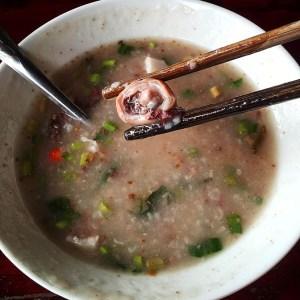 The Vietnamese rice porridge, chao long.
