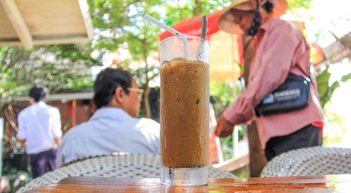 Coffee in Vietnam - Vietnamese Coffee with ice and milk