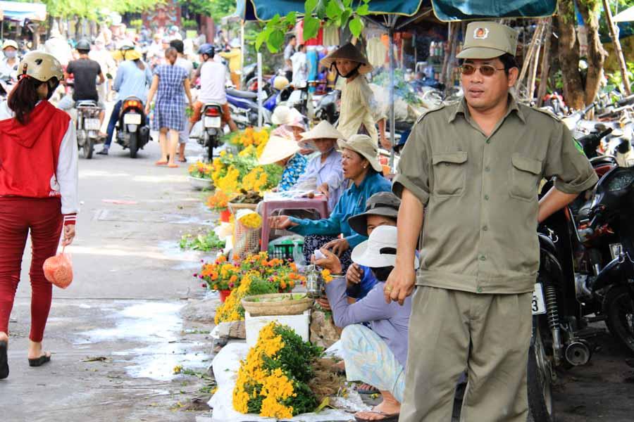 Hoi An, Vietnam flower section outside of main market