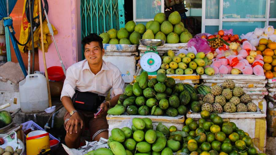 An Thoi, Phu Quoc, Vietnam Fruit vendor