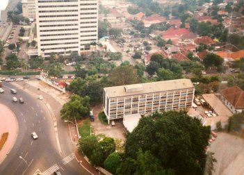 In 1985 Jakarta was building at a rapid pace, but without significant emphasis on public transit.