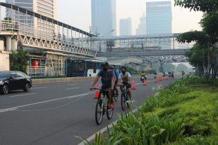 People in Jakarta are enthusiastic about the cycle lane.