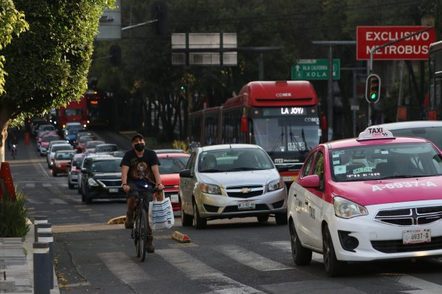 Avenida de los Insurgentes is a busy street, which means making way for cyclists has been challenging.