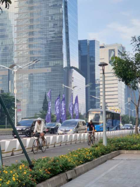 Now permanent, this cycle lane runs along a major thoroughfare in Jakarta.