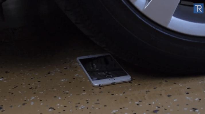 iphone6plustestatosottolaruotadiunamacchina
