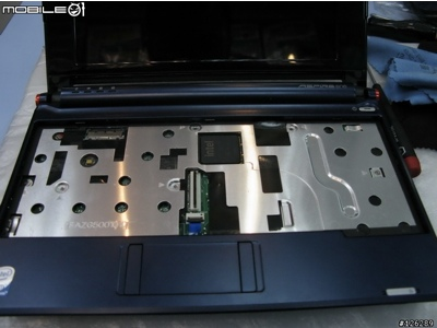 acer-aspire-one-disassembled.jpg