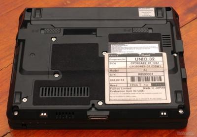 fujitsu-lifebook-u2010-mini-tablet-5.jpg