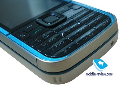 nokia-5730-xpressmusic-music-phone-with-qwerty-4.jpg