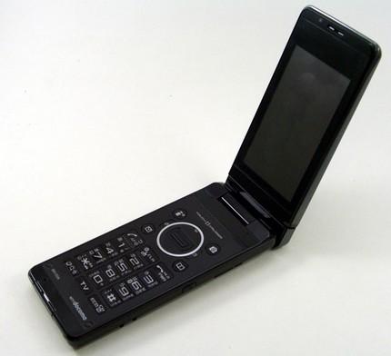 ntt-docomo-sharp-sh-03a-8mpix-clamshell-phone-1.jpg