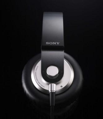sony-mdr-xb500-headphones