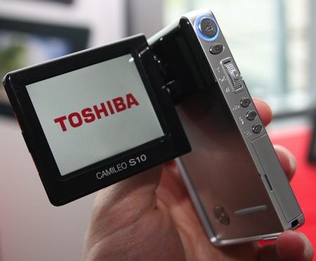 toshiba-camileo-s10-full-hd-camcorder