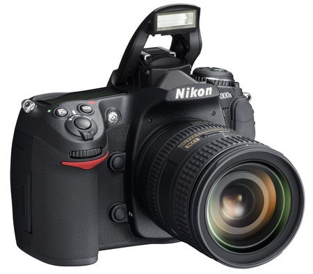 Nikon D300s DSLR angle with flash