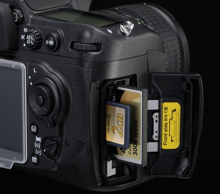 Nikon D300s DSLR card slot