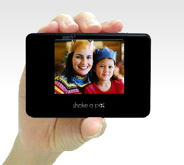Sondata Shake-A-Pix Digital Photo Album on hand