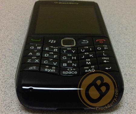 BlackBerry Pearl 9100 First Shots bottom