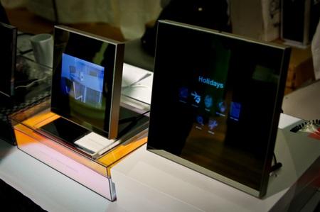 Parrot Grande Specchio Android-based Digital Frame