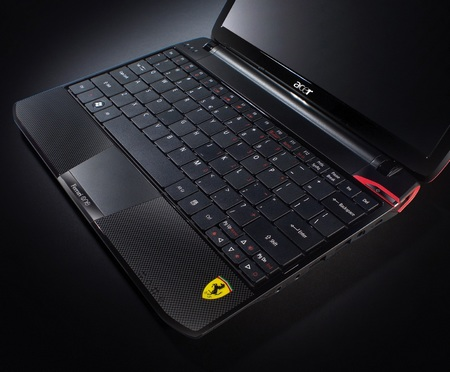 Acer Ferrari One FO200-1799 Notebook Hits US keyboard