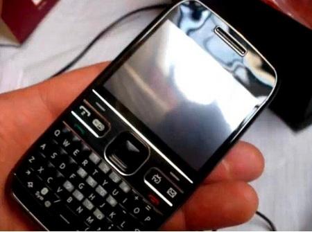 Zoho E72 - Nokia E72 Clone