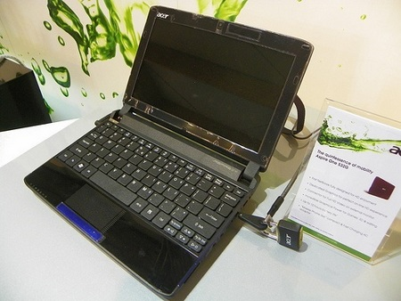 Acer Aspire One 532G Netbook with Switchable Ion 2 Graphics