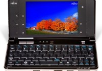 Fujitsu Lifebook UH900 5.6-inch Netbook with multitouch front