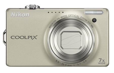 Nikon CoolPix S6000 Digital Camera Silver