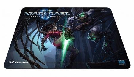 SteelSeries QcK Limited Edition StarCraft II Kerrigan vs. Zeratul mouse pad