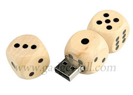 Wooden Dices USB Flash Drive
