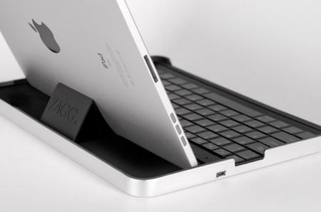 ZAGG ZAGGmate Keyboard Case for iPad 2 1