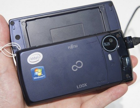 NTT DoCoMo Fujitsu LOOX F-07C Windows 7 Handset live back