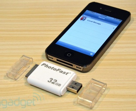 PhotoFast i-FlashDrive is a Flash Drive for iOS Devices 1