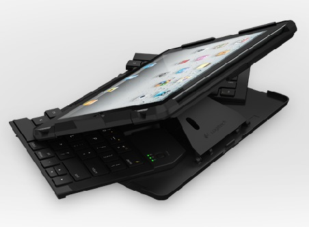 Logitech Fold-Up Keyboard for iPad 2 unfolding