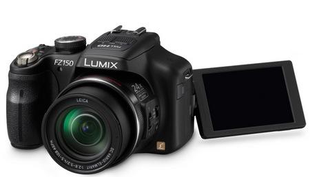 Panasonic Lumix DMC-FZ150 24x Super-Zoom Camera lcd flip out