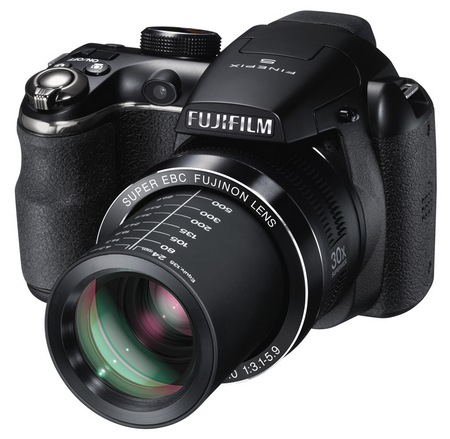 FujiFilm FinePix S4500 30x long zoom camera