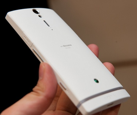 Sony Ericsson Xperia NX SO-02D Android Smartphone for NTT Docomo hands-on 3