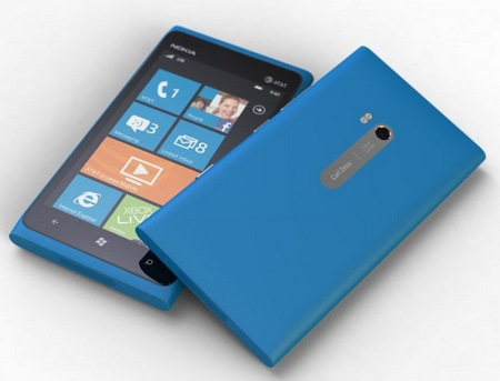 Nokia Lumia 900 Windows Phone cyan