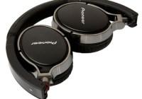 Pioneer SE-MJ591 Audiophile Headphones folded