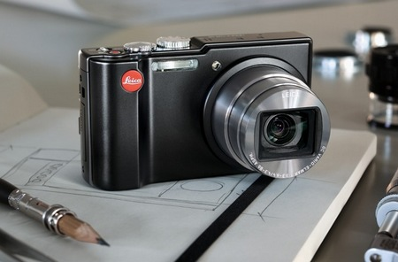 Leica V-Lux 40 Compact Digital Camera in use