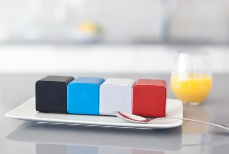 NuForce Cube combines Portable Speaker, Headphones Amplifier and USB DAC colors