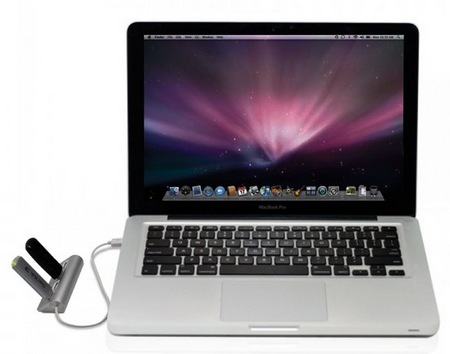 Satechi ST-UHA 4-Port Aluminum USB Hub with macbook