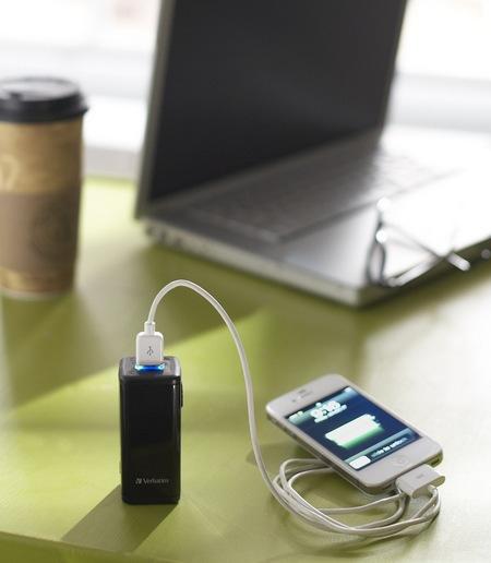 Verbatim AA Power Pack 97928 in use