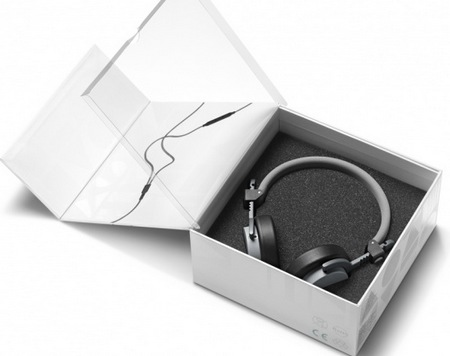AiAiAi Capital Weather-resistant Headphones box