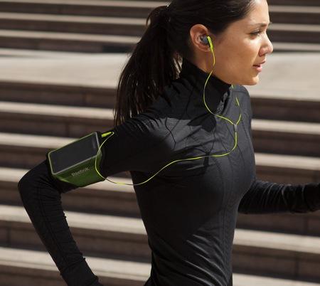 Bose SIE2i sport Headphones green in use