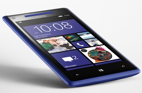 HTC 8X Windows Phone 8 Smartphone blue angle 1