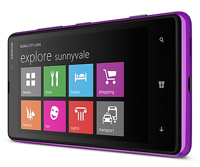 Nokia Lumia 820 Windows Phone 8 Smartphone purple