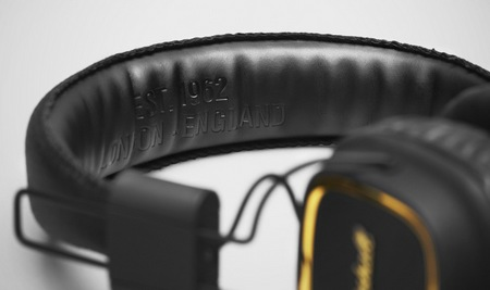 Marshall Major 50 FX Headphones Celebrates its 50th Anniversary headband inscription