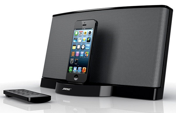 Bose SoundDock Series III Lightning Speaker Dock angle