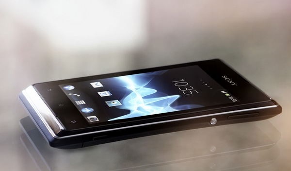 Sony Xperia E and E dual Affordable Smartphones live 1