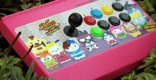 Mad Catz Street Fighter X Sanrio Arcade FightStick PRO live shot
