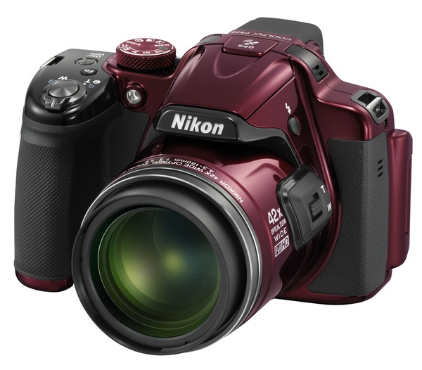 Nikon CoolPix P520 42x Ultra Zoom Camera red